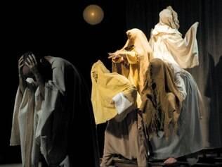 Clássico. Coletivo teatral de João Pessoa estuda o teatro de Brecht e também autores da comédia clássica como Aristófanes e Molière