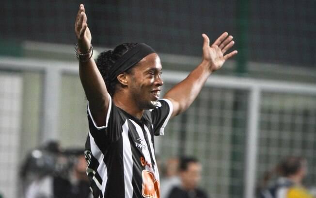 Ronaldinho vive boa fase no Atlético-MG e  comanda o ataque da equipe no Brasileiro