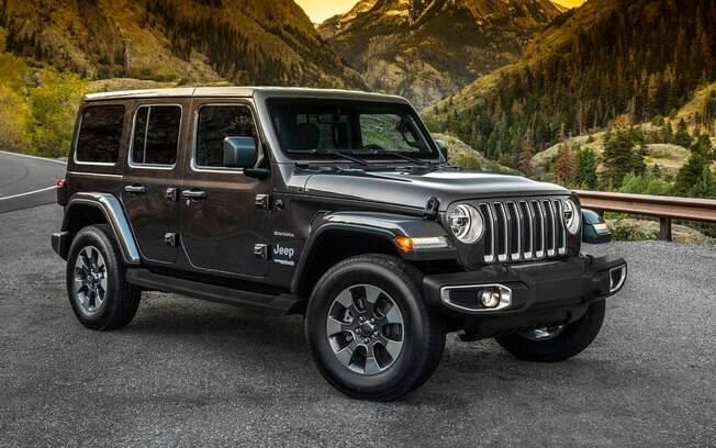 Jeep Wrangler 2018: outro SUV com forte caráter aventureiro, feito para encarar trilhas fora do asfalto