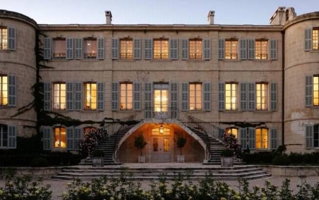 Chateau d'Estoublon, Fontvieille, França: disponível no Airbnb Luxe, castelo tem dez quartos e acomoda até 20 hóspedes