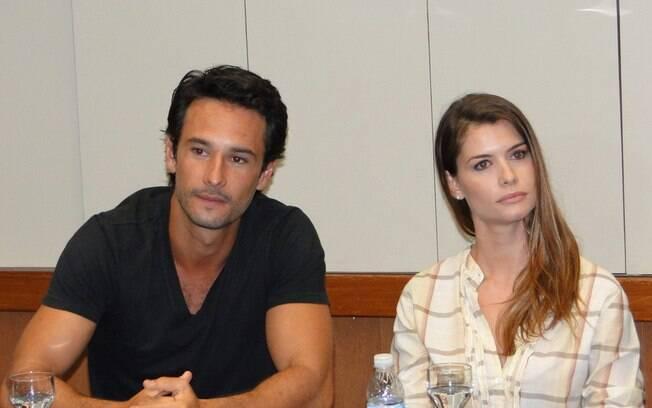 Rodrigo Santoro e Alinne Moraes em coletiva de
