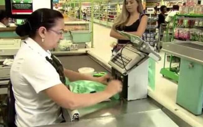 Consumidor: em maio de 2011 foi divulgada a Lei Municipal 15.374 que proibia a venda das sacolinhas