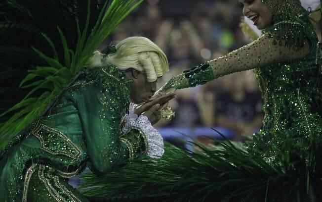 Mestre-Sala e Porta-Bandeira da Imperatriz Leopoldinense, um dos destaques do Carnaval do Rio de Janeiro
