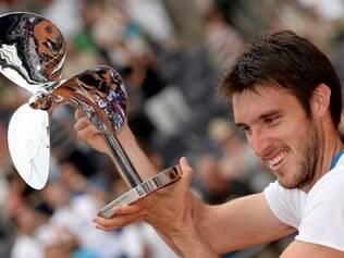 Tenista argentino bateu David Ferrer por 2 sets a 1, com parciais de 6/7 (3/7), 6/1 e 7/6 (7/4)