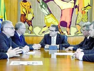 Conversa. Henrique Alves prometeu criar uma comissão geral para apreciar as propostas dos Estados