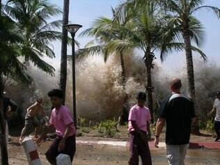 Catástrofe causada pelo tsunami vai ser lembrada em mais 14 países em que o desastre natural provocou mortes, como na Tailândia