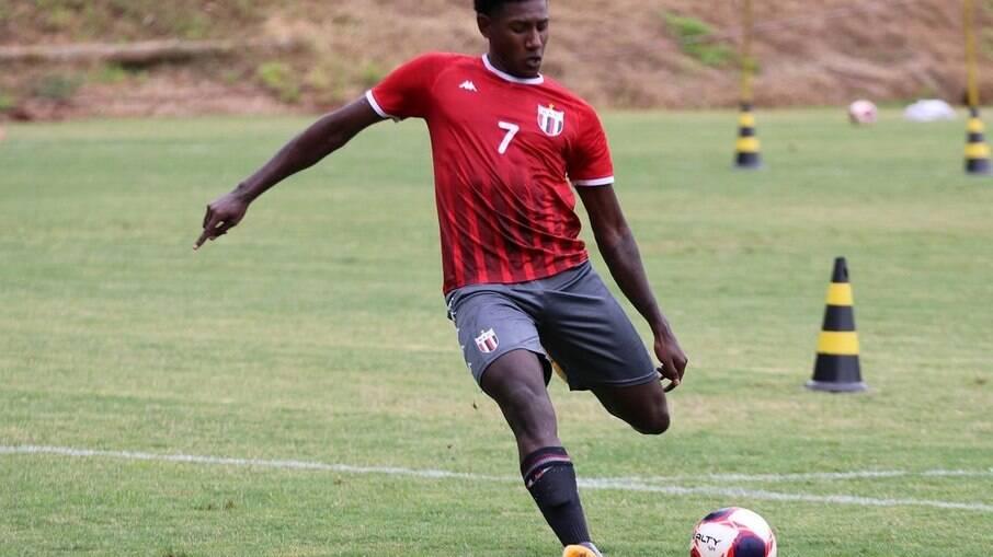 Kaio Magno espera oportunidades no Botafogo-SP