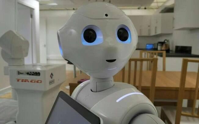 Robô Pepper faz companhia para pessoas em isolamento na Escócia