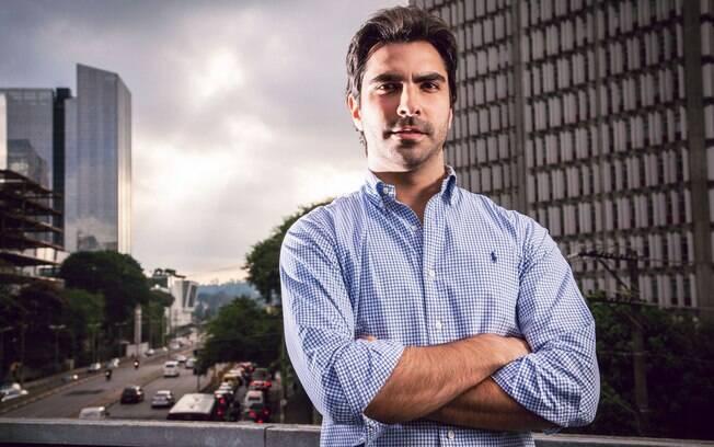 Eduardo Borges ganhou seu primeiro dinheiro aos 14 após montar um site que reunia filmes pornô