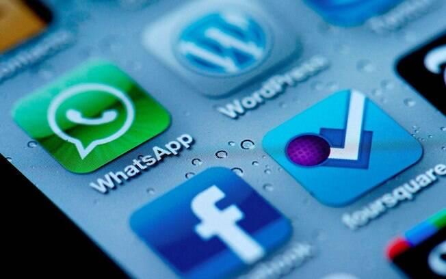 Aplicativo Whatsapp esvazia debate político, dizem especialistas