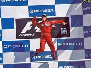 Escuderia italiana destacou 72 fotos de Schummi, em referência aos 72 Grands Prix conquistados por ele com a Ferrari