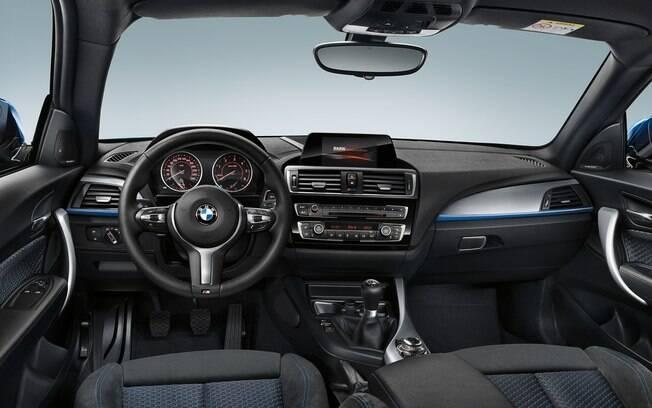 BMW Série 1: Interior mantém bom padrão de acabamento, quase sem novidades em relação do modelo 2018