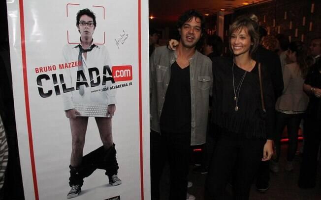 Bruno Mazzeo e Juliana Didone posaram para os fotógrafos na festa de Cilada.com