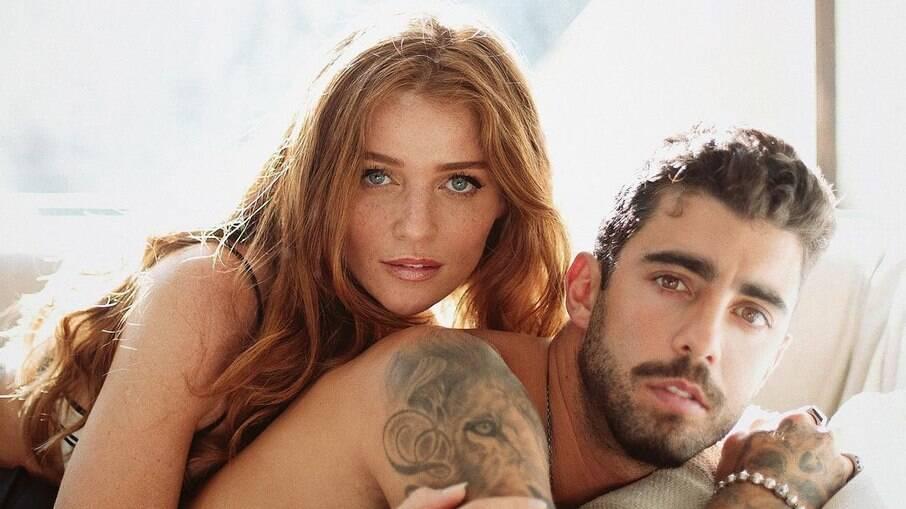 Pedro Scooby e Cintia Dicker postam fotos nus