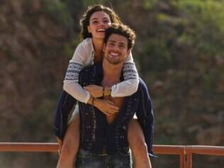 Cauã Reymond  e Isis Valverde são os protagonistas da polêmica série