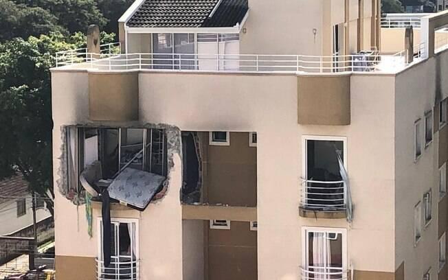 Explosão aconteceu por volta das 9h30 da manhã e logo as chamas se espalharam, provocando o incêndio
