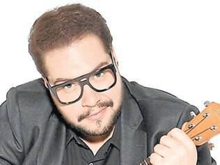 """Parceria. No show, Abravanel ainda canta três músicas inéditas, escritas por Edu Tedeschi. São elas: """"Brim"""", """"Estrada Afora"""" e o single """"Eclético"""""""