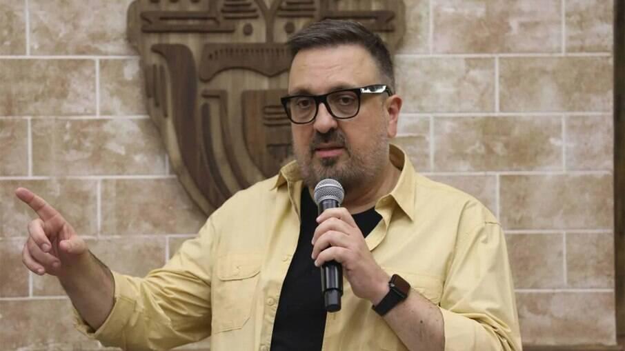 Rodrigo Carelli fecha elenco de A Fazenda 13