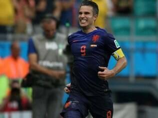 Van Persie brincou com os filhos durante treino da Holanda