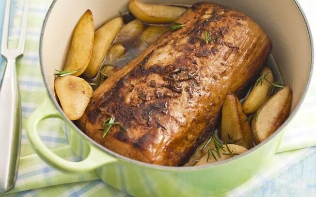 Foto da receita Lombo de porco de panela com peras pronta.