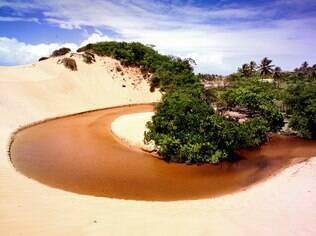 Lagoa Redonda, próxima a Aracaju, oferece belo cenário e diversas opções de ecoturismo