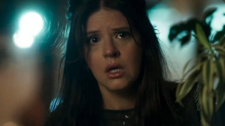 Maria Pia (Mariana Santos) faz flagra crucial em