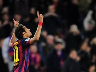 FC Barcelona's Neymar, from Brazil, reacts after scoring against Rayo Vallecano during a Spanish La Liga soccer match at the Camp Nou stadium in Barcelona, Spain, Saturday, Feb. 15, 2014. (AP Photo/Manu Fernandez)