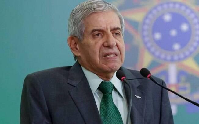 Heleno diz que Brasil pode retaliar países que adotarem políticas de boicote ao Brasil