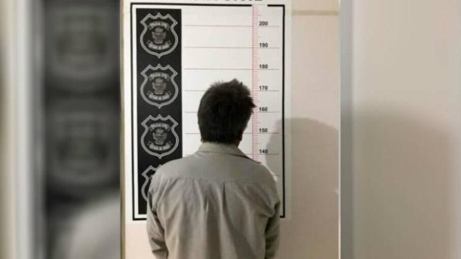 Pai é preso suspeito de estuprar a própria filha de 20 anos no interior de SP