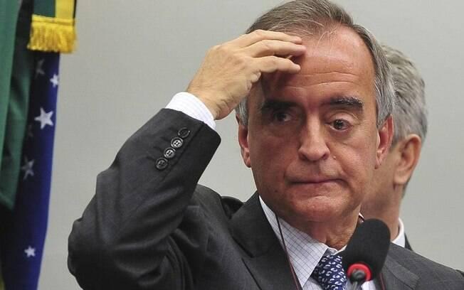 Condenado pelo TCU ao lado do ex-presidente da empresa estatal, Nestor Cerveró era diretor da Petrobras na época