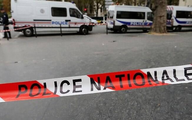França ainda não confirma a ligação do grupo terrorista com o ataque que deixou mortas em estação de trem de Marselha