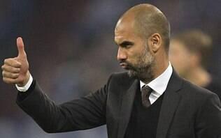 """City vence o Tottenham, """"se vinga"""" e volta à liderança do Campeonato Inglês"""