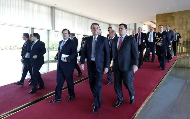 Bolsonaro se reuniu com presidentes da Câmara e do Senado nesta terça-feira (28)