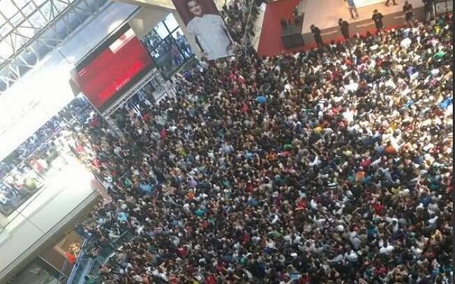 Multidão para ver Cake Boss no shopping Eldorado