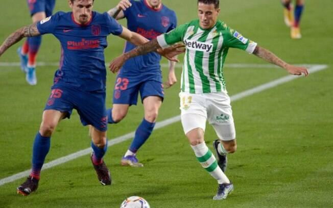 Atlético de Madrid empata com o Real Betis, mas volta à liderança do Espanhol