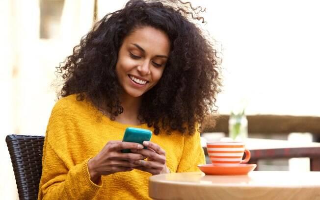 Segundo pesquisa, as redes sociais são uma das grandes responsáveis por afetar ou melhorar a autoestima das mulheres