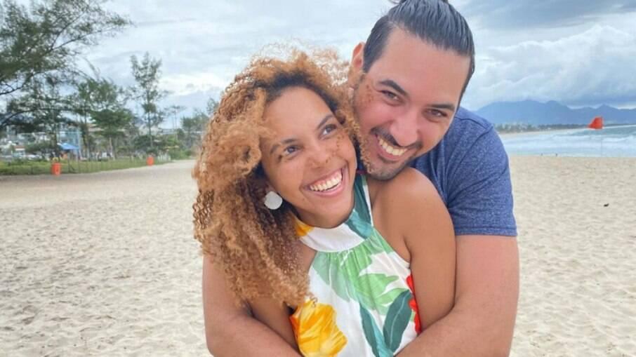 Nathalia Santos e o noivo, Lucas