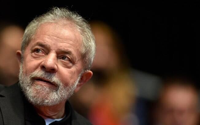 Lula tem dívida com a Receita Federal
