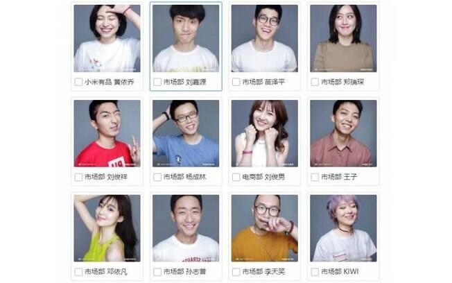 Alguns funcionários da chinesa Xiaomi que participam do concurso e ação promocional de um smartphone
