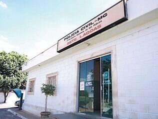 Na imagem, fachada da delegacia de Sete Lagoas, na região Central