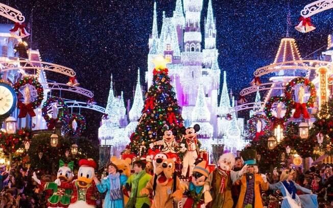 Os personagens da Disney estão preparados para o Natal