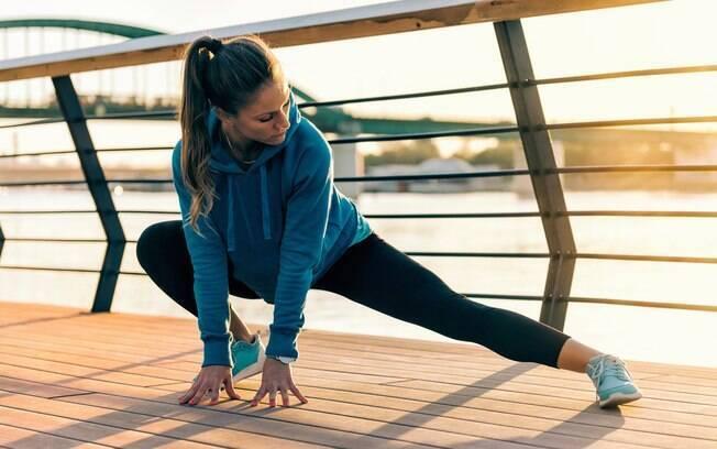 Consciência corporal ajuda a executar melhor qualquer movimento e os exercícios abdominais também atuam nessa área