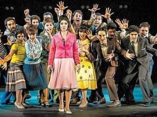 """Atuação.Com 20 atores em cena durante três horas de espetáculo, """"Elis, A Musical"""" traz Laila Garin como destaque no papel da pimentinha"""