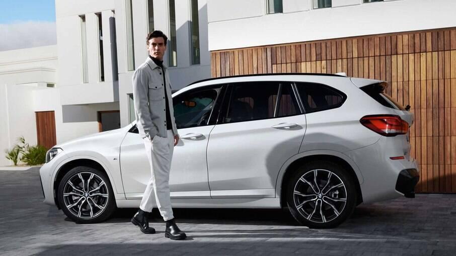 Defletores de ar também fazem parte do visual do novo BMW X1 M Sport com motor 2.0 turbo, de 192 cv