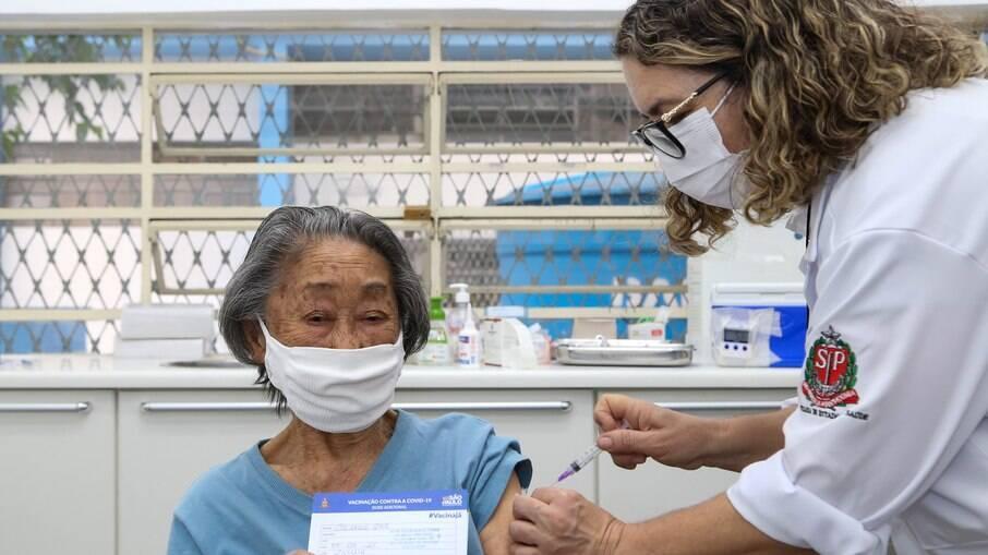 Vacinação em SP: doses da Astrazeneca estão em falta