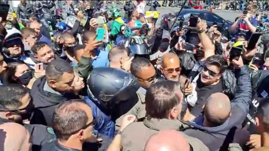 Presidente realizou motociata pelo segundo dia seguido