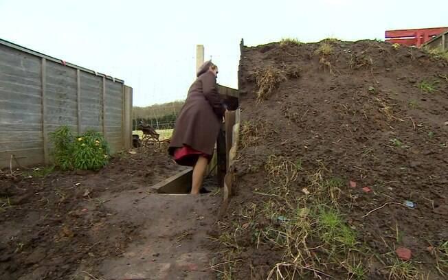 O abrigo antiaéreo construído na casa de Joana é fiel aos da Segunda Guerra