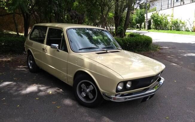 Volkswagen Brasília recebeu a customização do kit Puma de maneira bem feita, com destaque para as rodas cruz de malta