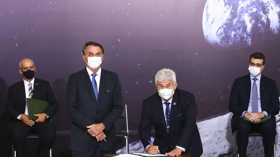 Presidente Jair Bolsonaro e ministro Marcos Pontes