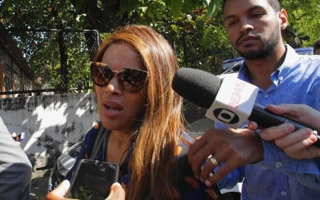 Flordelis presta depoimento em delegacia no Rio de Janeiro